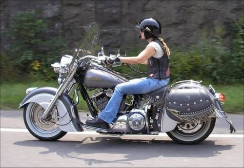 women on motorcycles best pictures from 2005 2006 2000. Black Bedroom Furniture Sets. Home Design Ideas