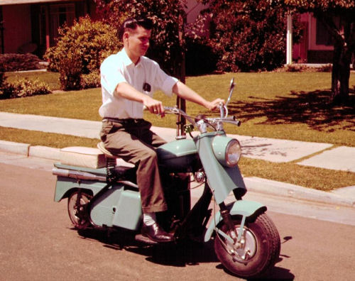 Cushman motor scooter picture