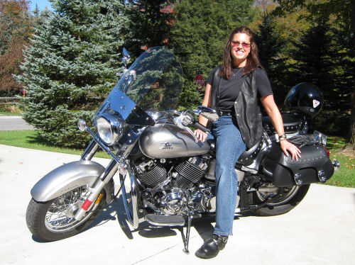Motorcycle pictures of the week women 2008 yamaha v for Yamaha motorcycles for women
