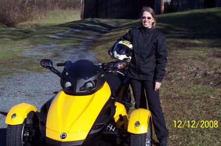 Women on Motorcycles Picture of a 2008 Can-Am Spyder Roadster