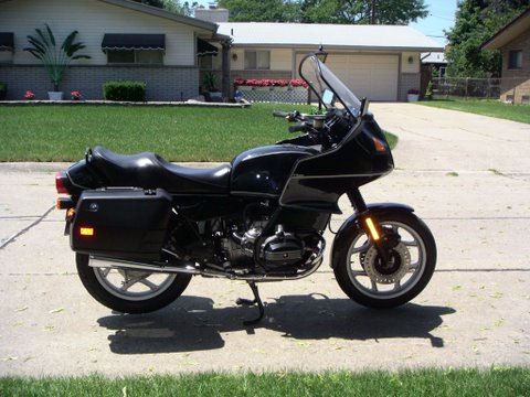 Motorcycle Pictures - 1994 BMW R100RT Moto Pic