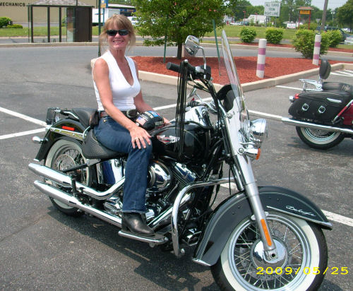 harley davidson women and motorcycles The harley davidson brand harley davidson motorcycles have become powerful cultural symbols when people that aren't especially familiar with motorcycles are asked to name a motorcycle brand, they will often just refer to harley davidson.