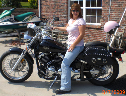 Motorcycle pictures of the week women 2002 yamaha v for Yamaha motorcycles for women