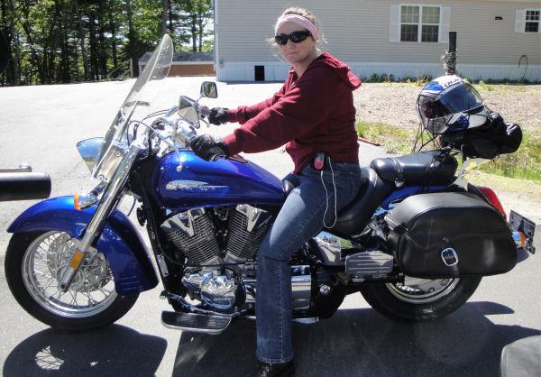 Motorcycle Pictures of the Week - Women: 2006 Honda VTX 1300 (Encore)