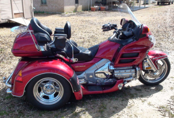 motorcycle trike picture of a 2004 honda gold wing trike. Black Bedroom Furniture Sets. Home Design Ideas