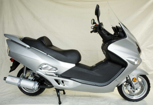 Motorcycle picture of a 2008 Roketa 150CC Motor Scooter