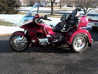 http://motorcycleviews.com/trikes/aa012201n.jpg